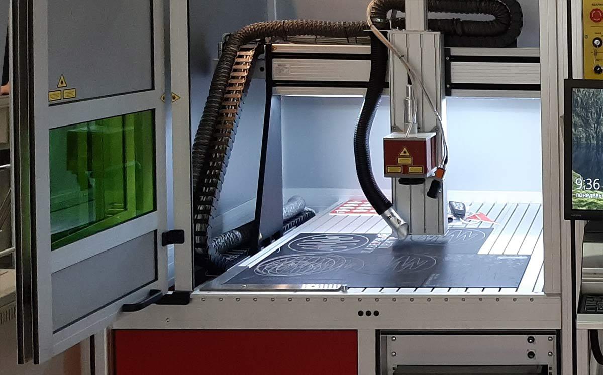 Портальный лазерный станок по металлу. Размер рабочего поля уточняет Заказчик.